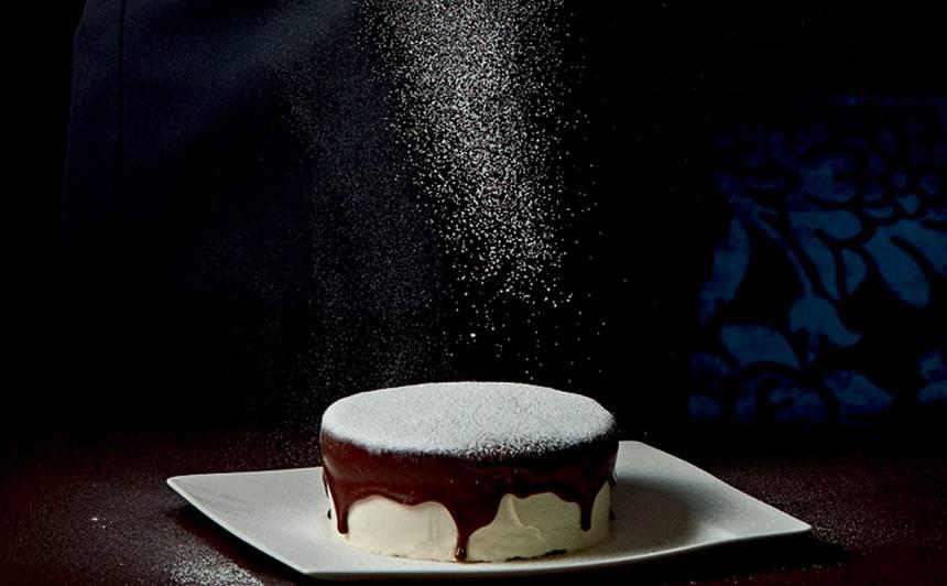 Kanēļa un piparmētru siera kūka ar šokolādi recepte