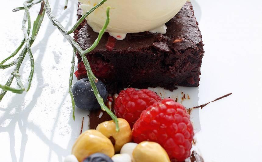Biešu un šokolādes kūka