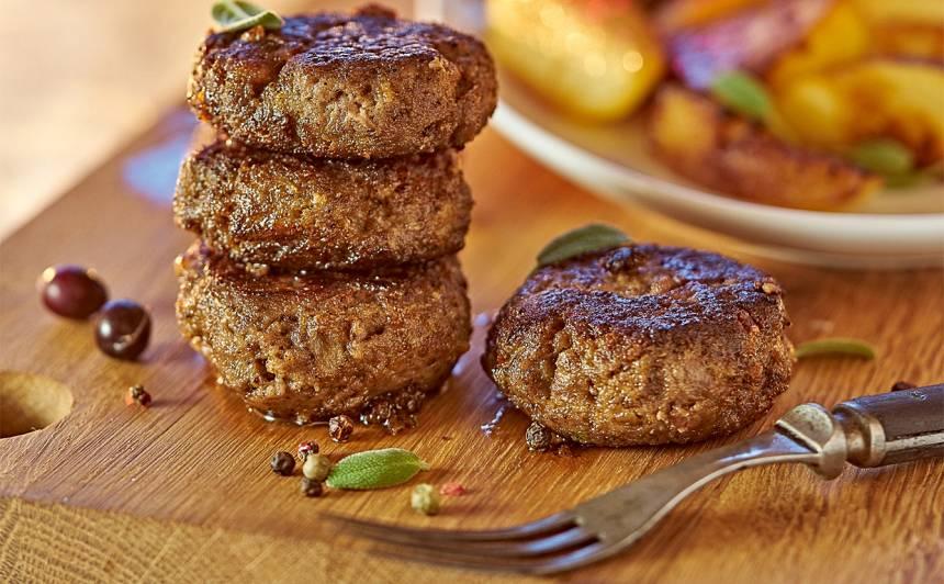 Brieža vai aļņa gaļas kotletes ar sviestu