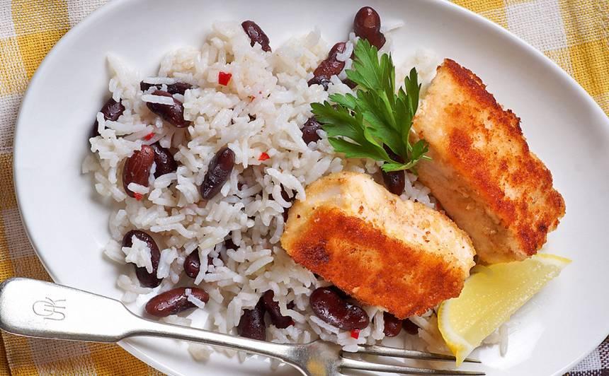 Cepta zivs ar rīsu un pupiņu salātiem recepte