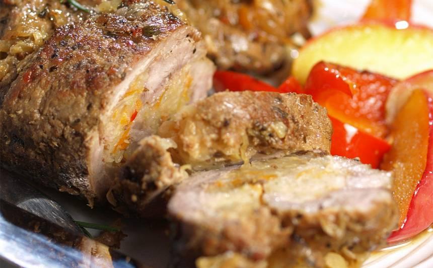 Ar skābētiem kāpostiem pildītas gaļas ruletes recepte
