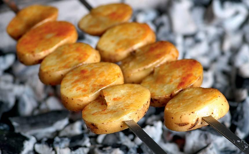Uz iesma cepti kartupeļi recepte