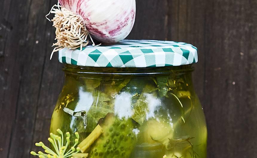 Ķiploku gurķi receptes