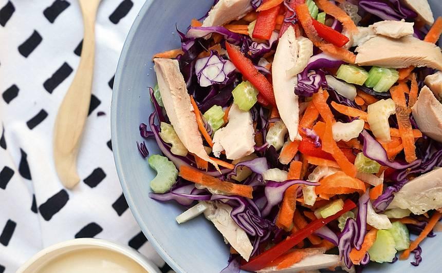 Sarkanā kāposta un žāvētas vistas salāti recepte