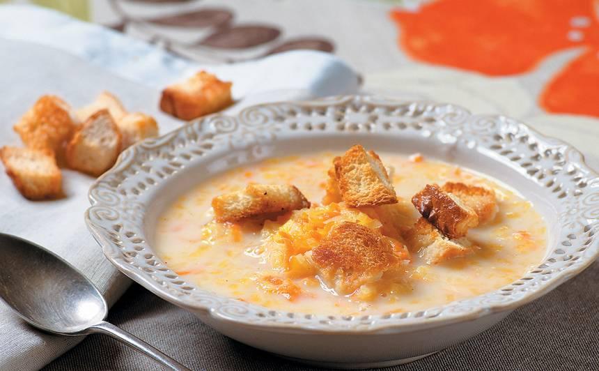 Piena zupa ar ķirbi un grauzdiņiem