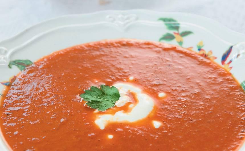Tomātu un paprikas biezzupa recepte