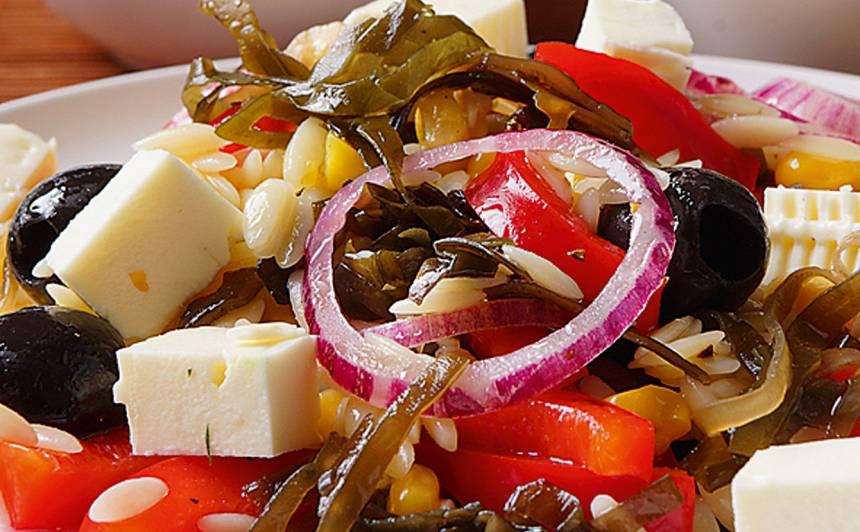 Makaronu salāti ar jūras kāpostiem un fetu recepte