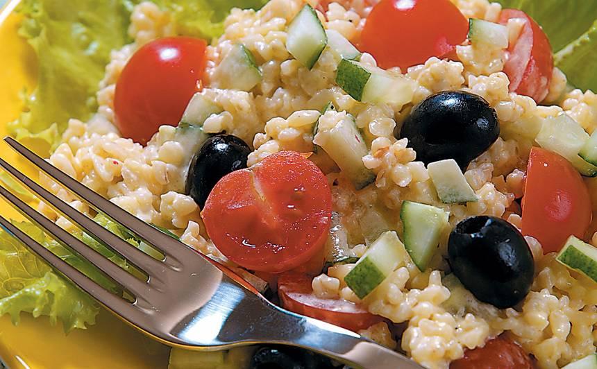 Bulgura salāti ar olīvām recepte