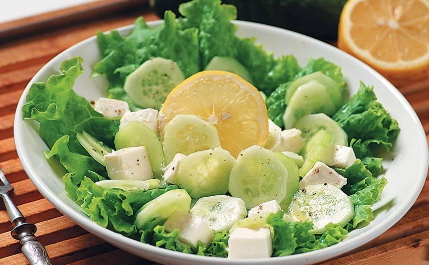Grieķu salāti recepte