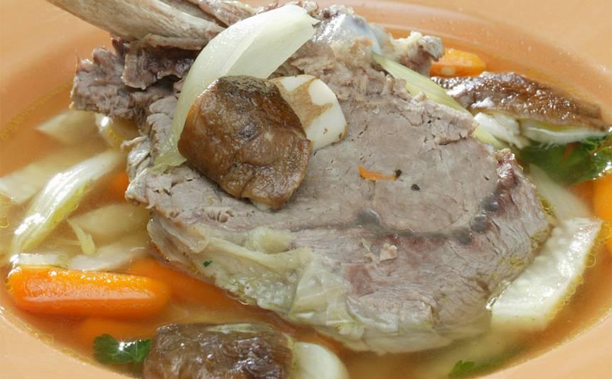 Vērša gaļas zupa ar baravikām
