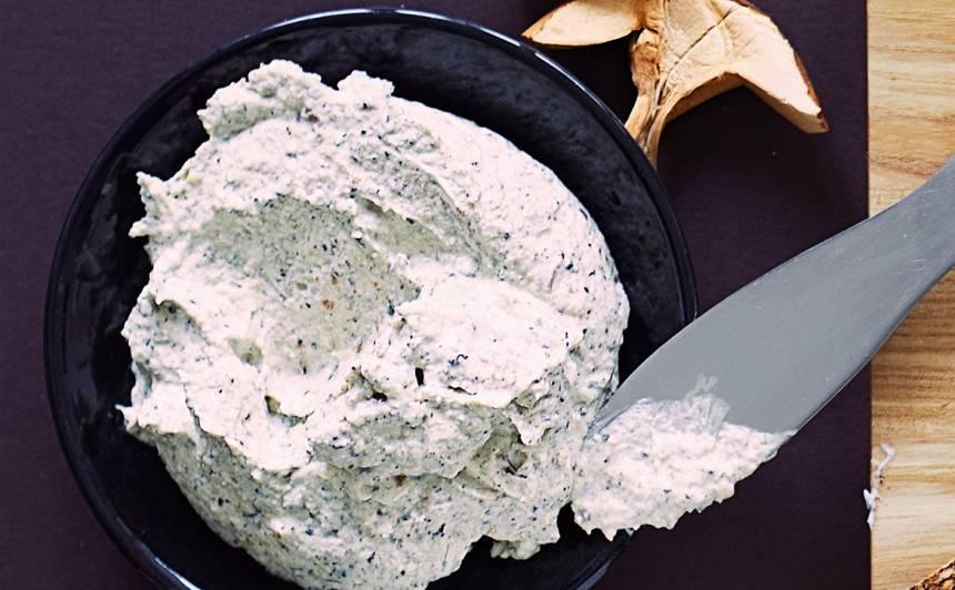 Svaigā siera un baraviku pastēte