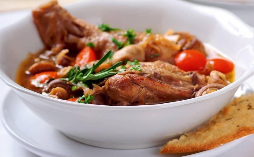 Vistas zupa ar sēnēm un baltvīnu recepte