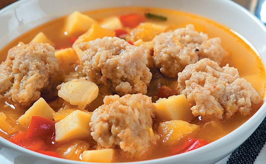Ķirbju zupa <strong>ar fetas frikadelēm</strong>