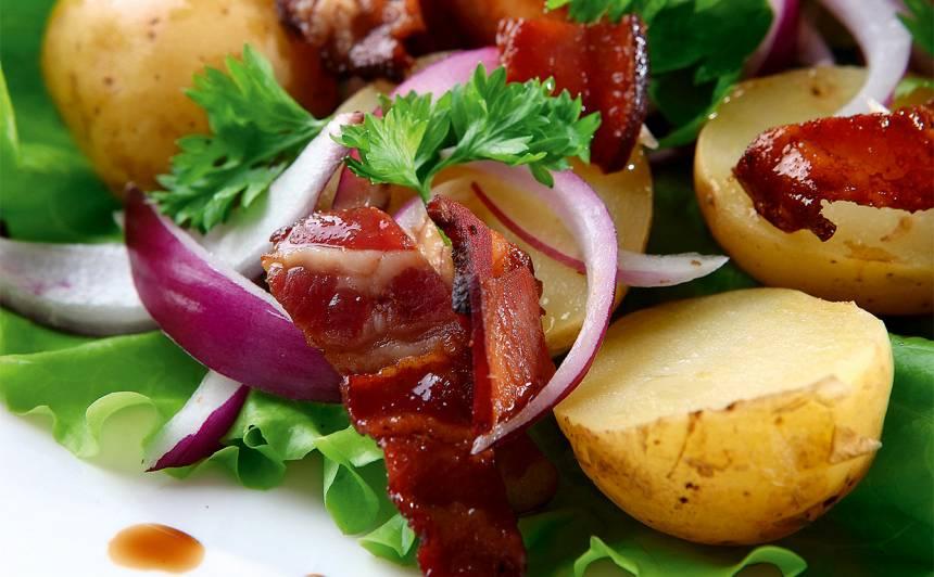 Jauno kartupeļu salāti ar bekonu recepte