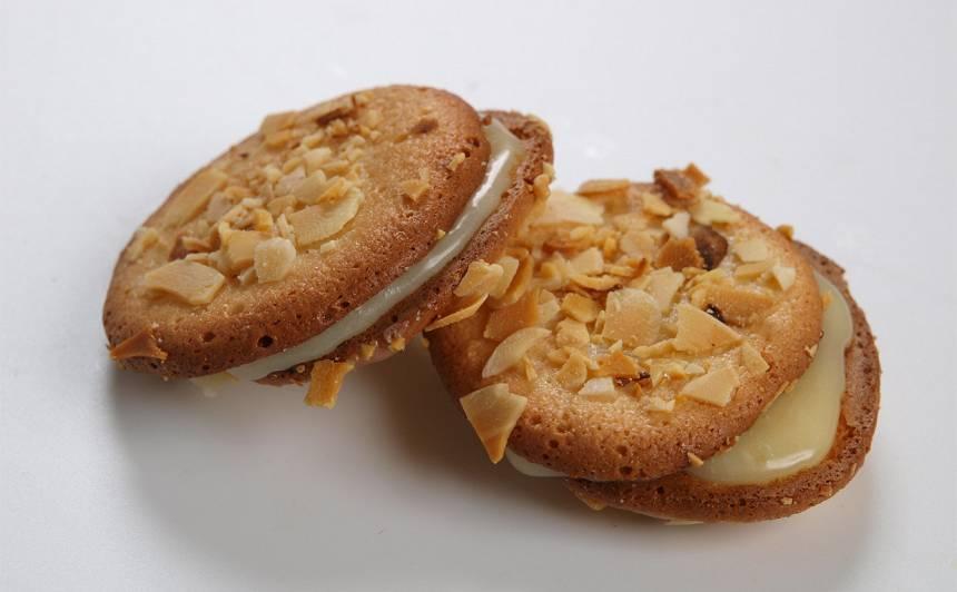 Mandeļu cepumi ar balto šokolādi recepte