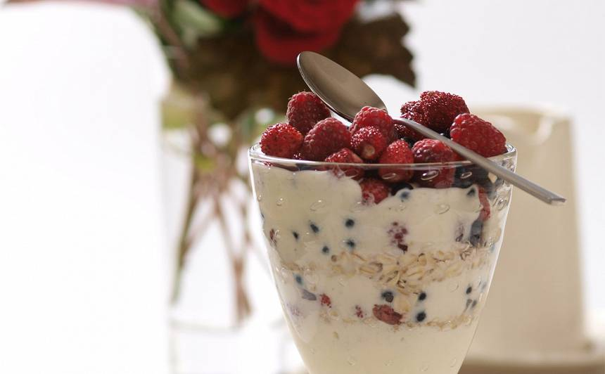 Kārtainais ogu deserts recepte