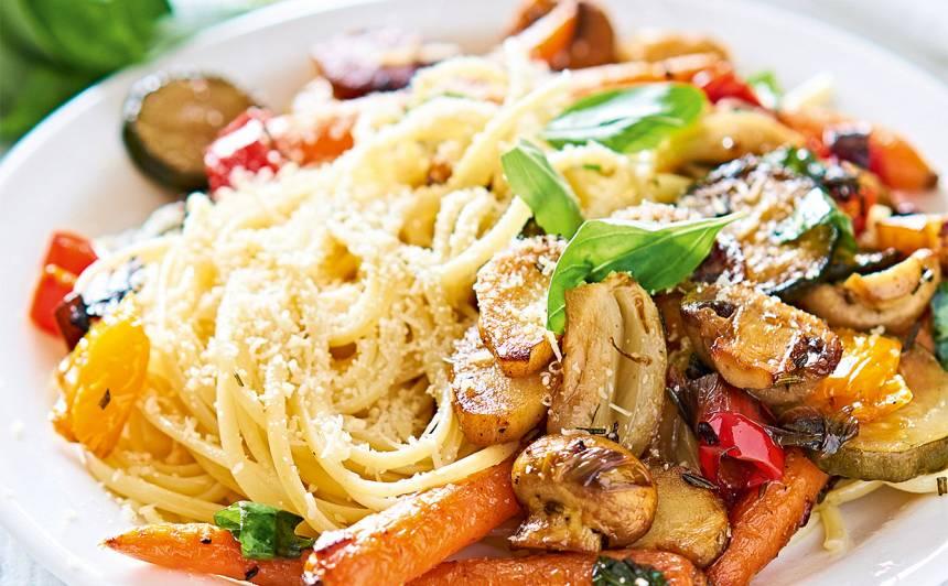Makaronu un ceptu dārzeņu salāti recepte