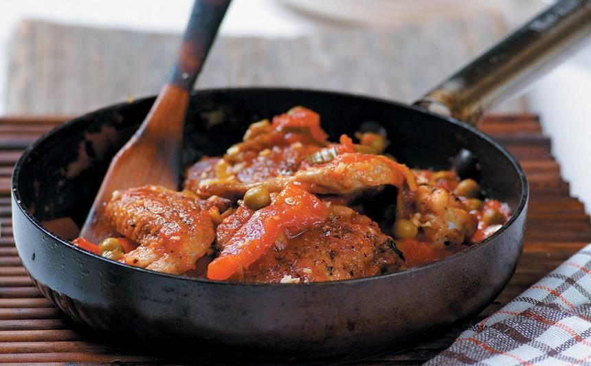 Vistas spārniņi ar papriku un tomātiem recepte
