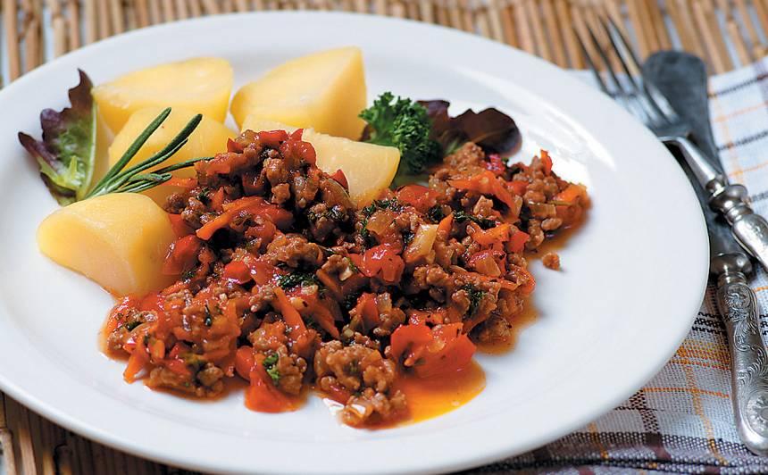 Maltās gaļas mērce ar kartupeļiem recepte