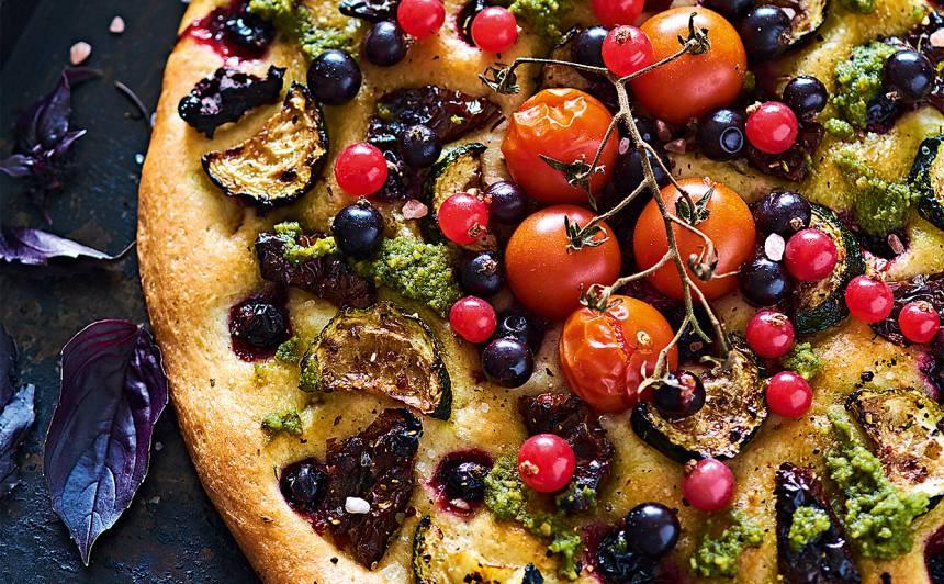 Fokača ar dārzeņiem un ogām recepte
