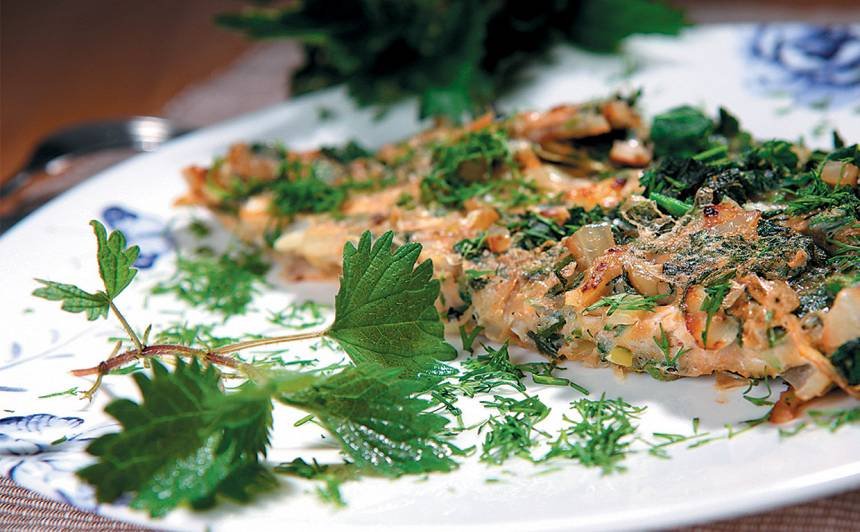 Omlete ar nātrēm un sīpoliem recepte