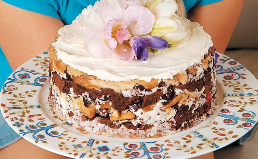 Biezpiena sieriņu kūka recepte