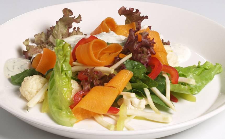 Svaigie ziedkāpostu salāti recepte