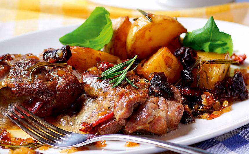 Šniceles ar rozmarīna kartupeļiem recepte