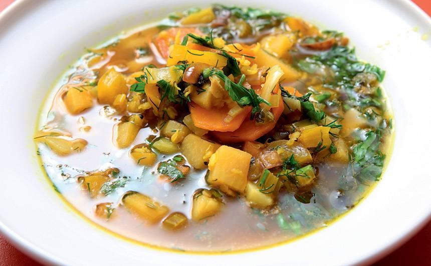 Ājūrvēdas zupa ar dārzeņiem recepte