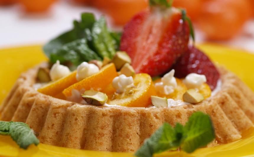 Majonēzes mīklas kūciņas ar zemenēm recepte