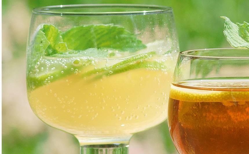 Kokteilis ar laimu un ingveru