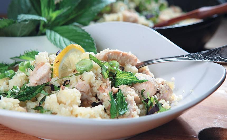 Vistas un kuskusa siltie salāti ar citronu recepte