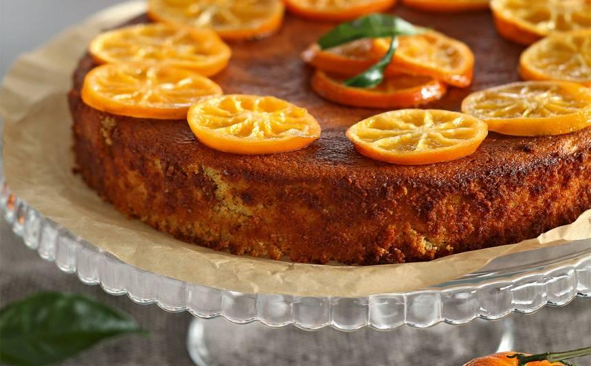 Mandarīnu un mandeļu kūka