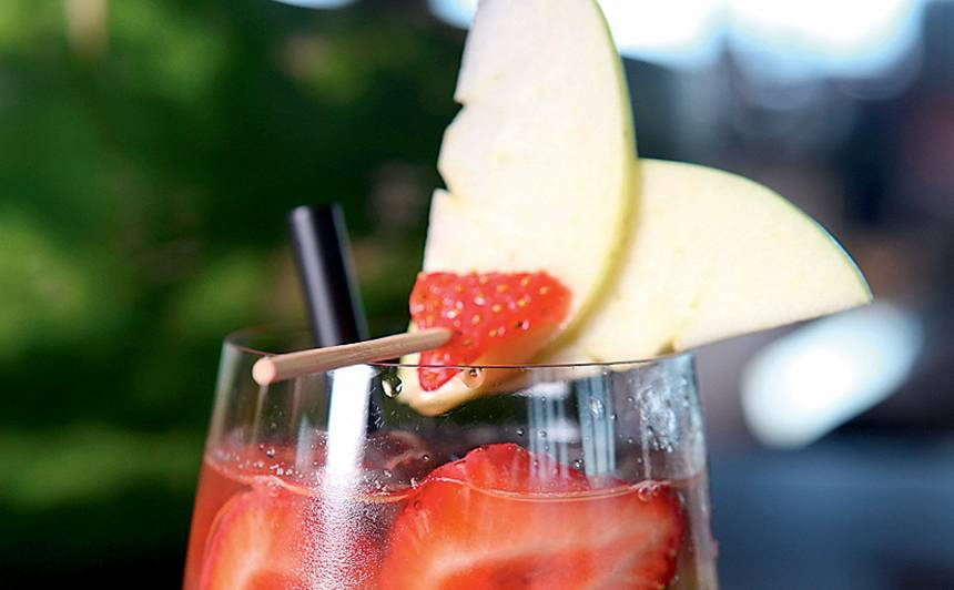 Bezalkoholiskā kivi bole receptes