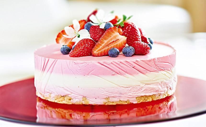 Zemeņu, aveņu un laima kūka recepte