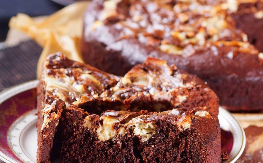 Braunija kūka ar krēmsieru recepte