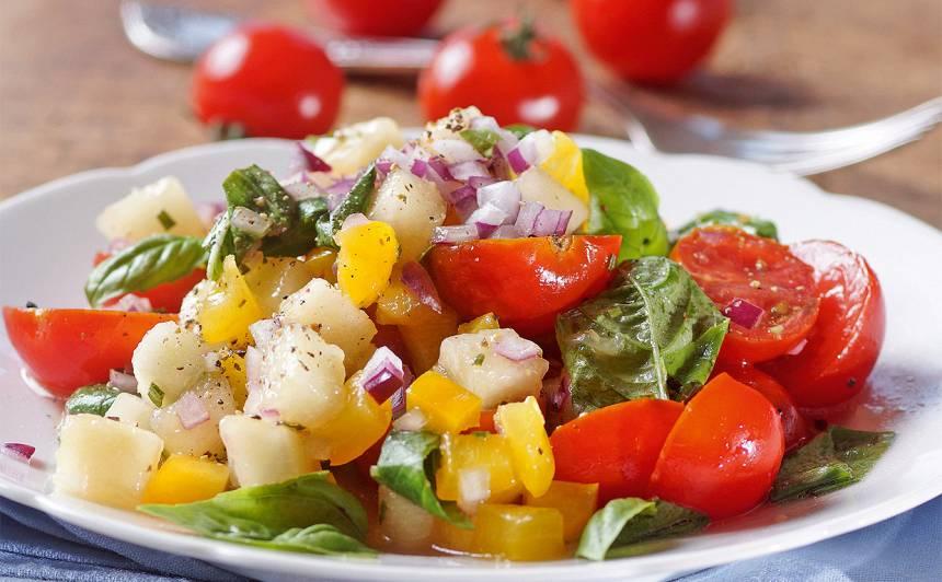 Ķirštomātu un bumbieru salāti