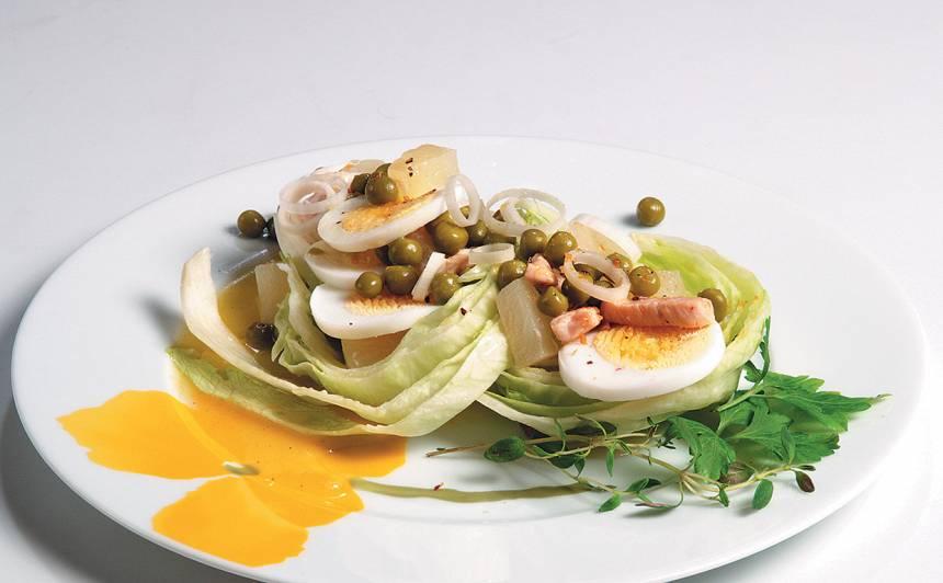 Ledus salāti ar vistu un ananāsiem recepte