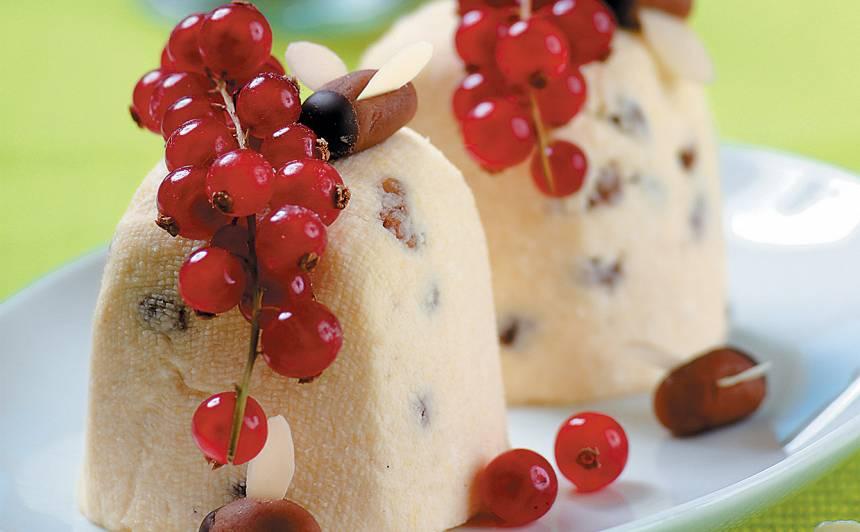 Biezpiena deserts ar bitēm recepts