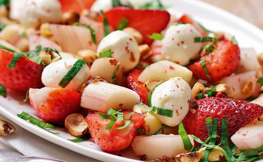 Saldie salāti ar rabarberiem