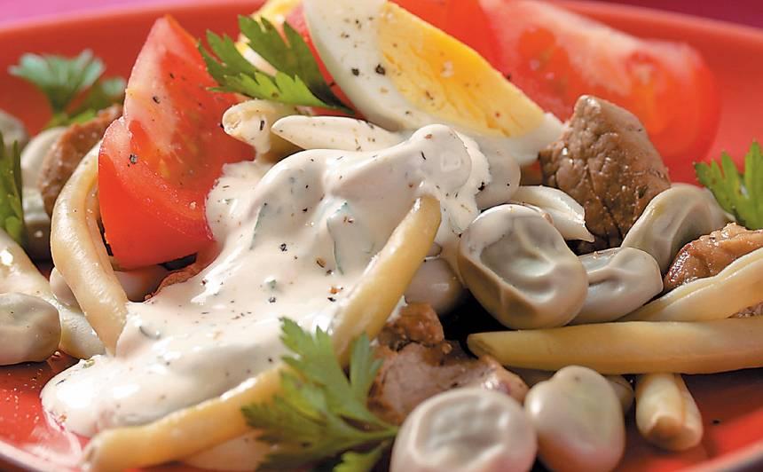 Karstie salāti ar cūku pupām un gaļu recepte