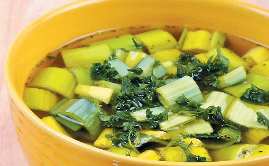 Diētiskā puravu un kartupeļu zupa recepte