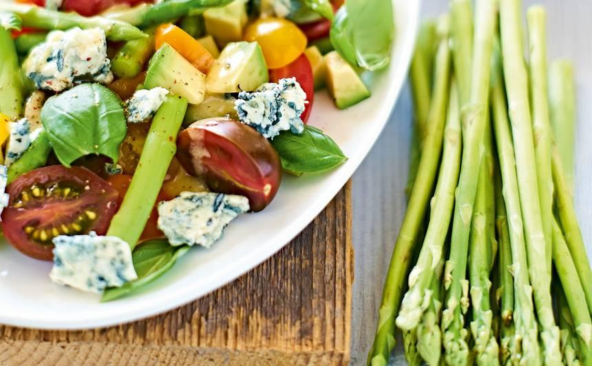 Sparģeļu salāti recepte