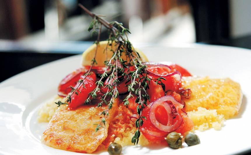 Kuskusa salāti ar ceptu brinzu un mērci recepte