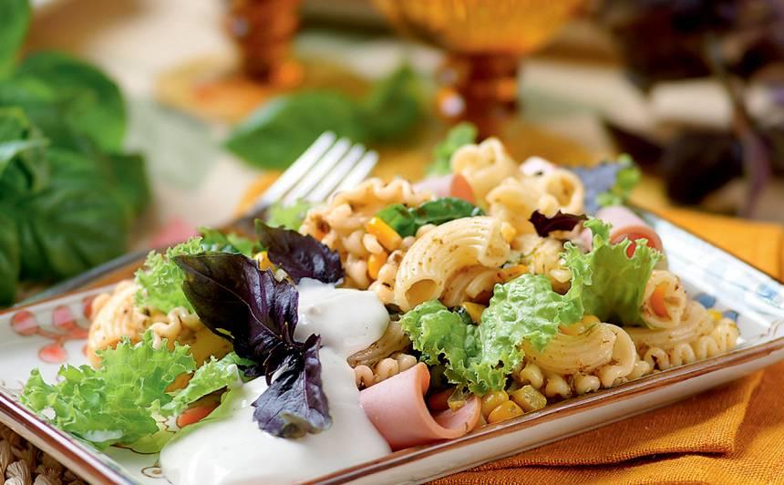 Makaronu salāti ar pesto un majonēzi recepte
