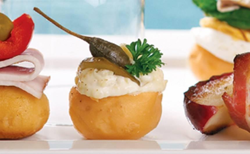 Kartupeļu uzkodas ar gurķi un kaperu