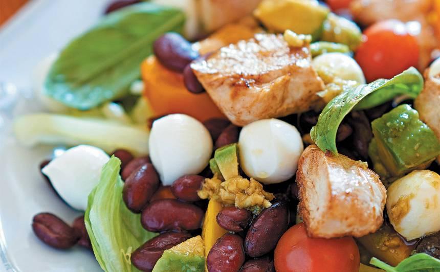Vistas filejas salāti ar mocarellu un cidoniju sīrupa mērcīti recepte