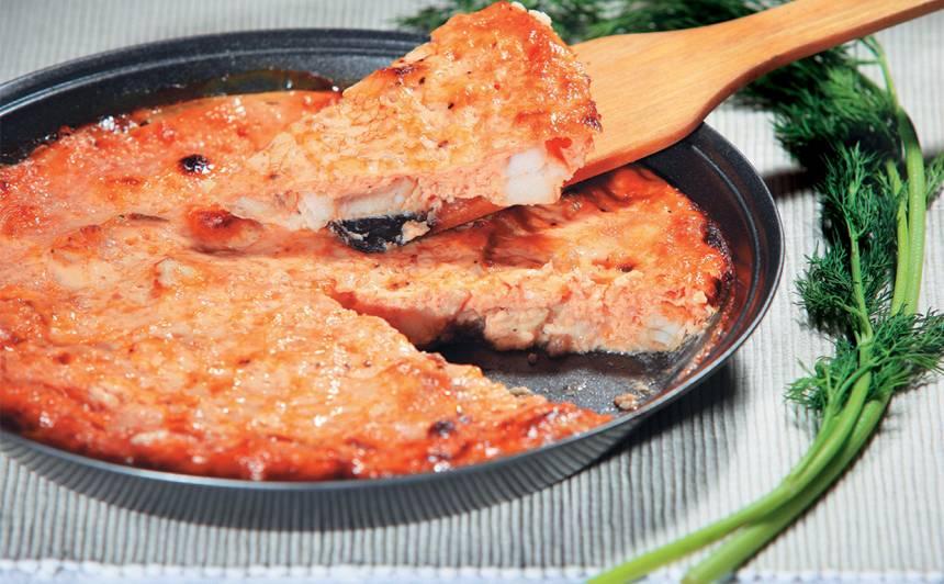 Suflē ar zivi un tomātu mērci recepte