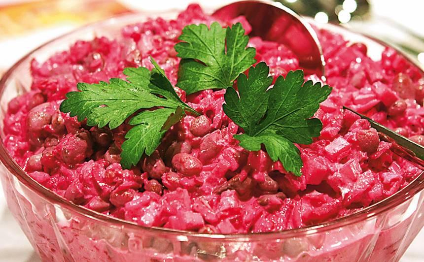 Biešu salāti ar pupiņām recepte