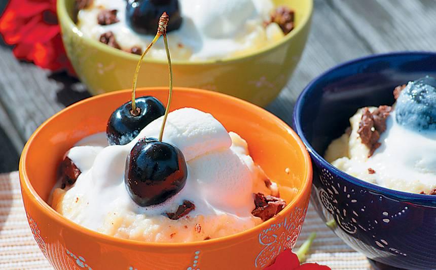 Marcipāna un mannas krēms ar saldējumu recepte